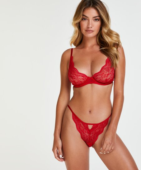 Isabelle Brazilian, Red