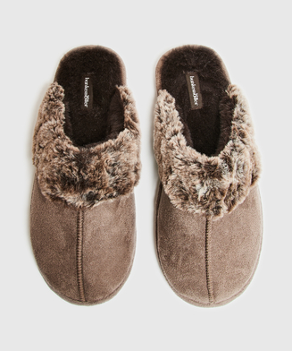 Suede Slippers, Brown