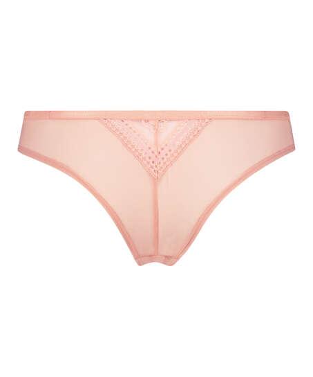Kelly Brazilian, Pink