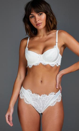 Hannako Brazilian, White
