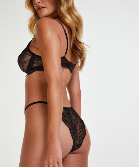 Isabelle Brazilian, Black