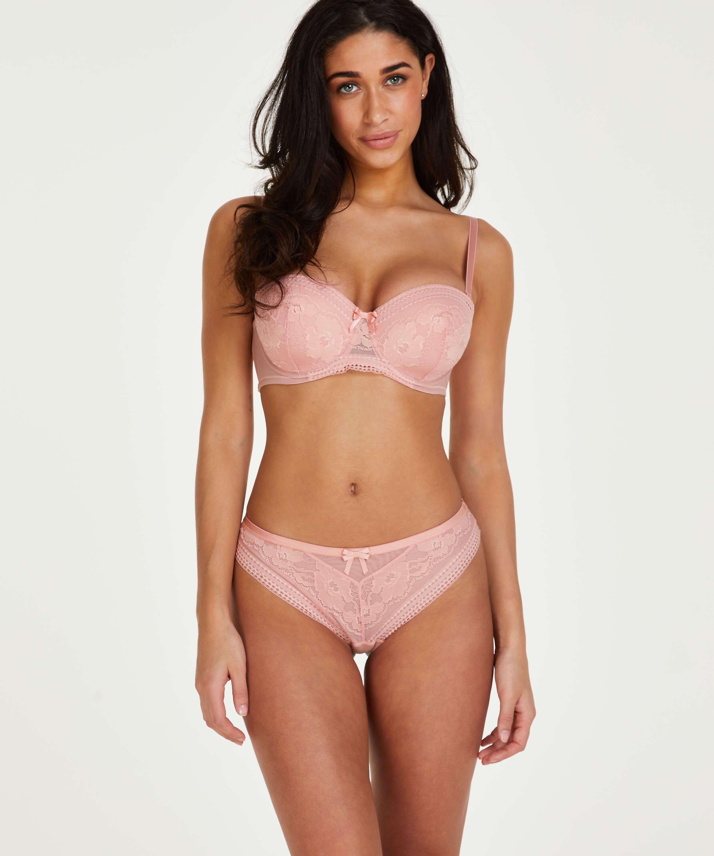 Kelly Brazilian, Pink, main