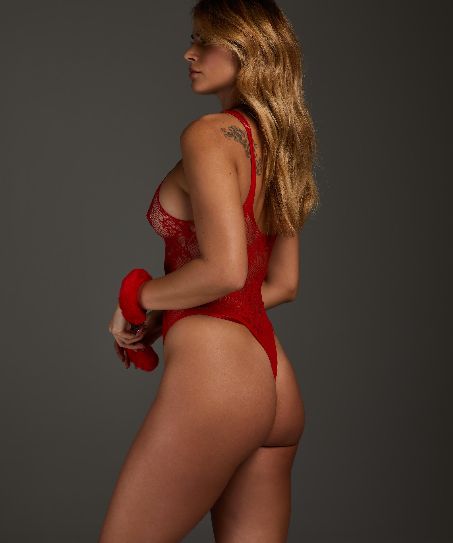 Private Body, Red, main