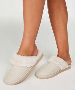 Slippers , White