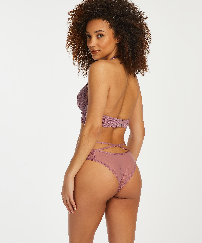 Isabelle Brazilian, Purple, main