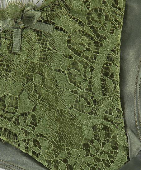 Hannako Brazilian, Green