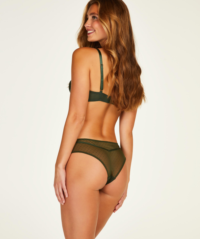 Kate Brazilian, Green, main