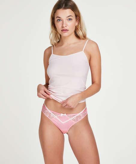 Linda Thong, Pink