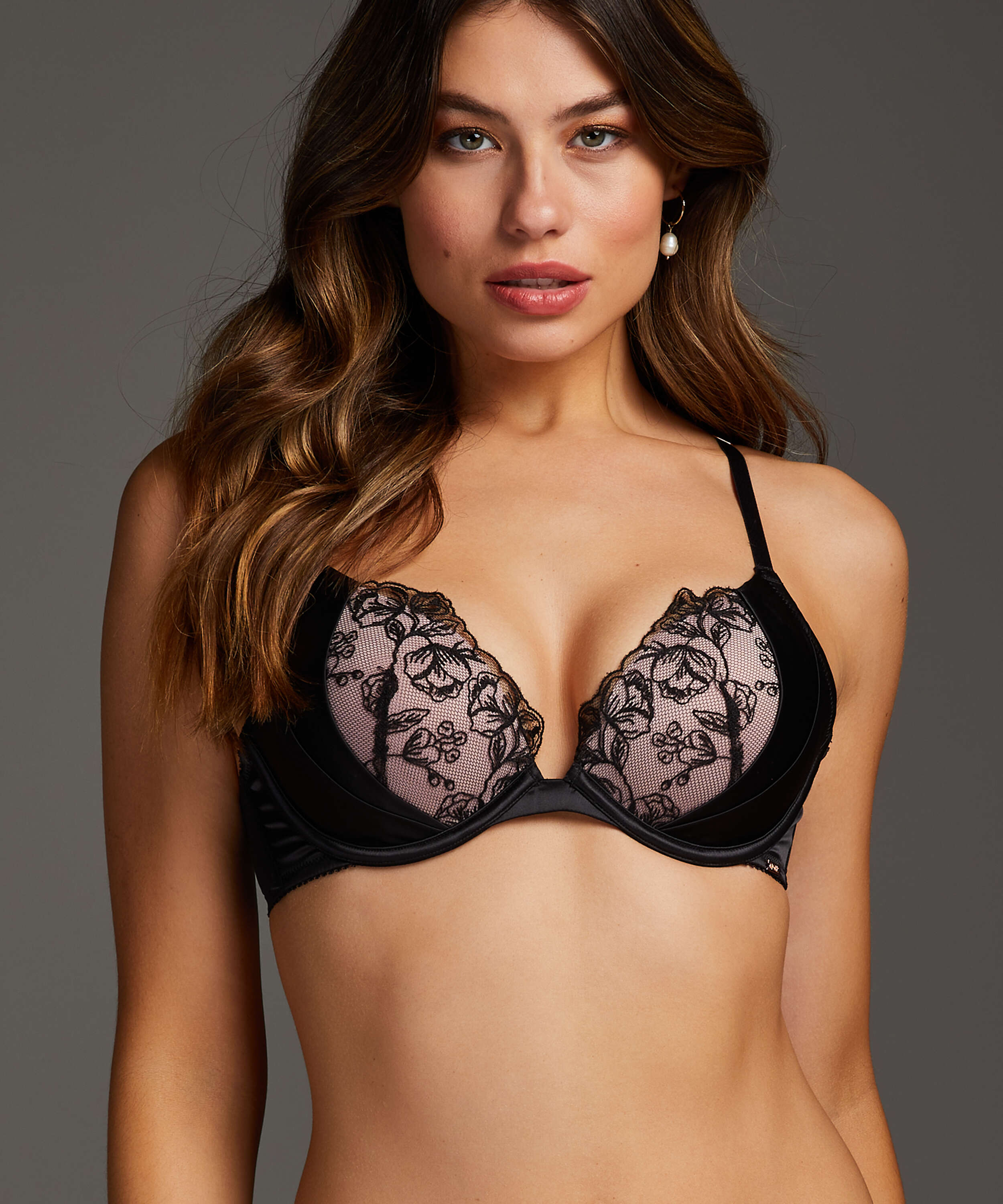 Tilly Padded Push-Up Underwired Bra, Black, main
